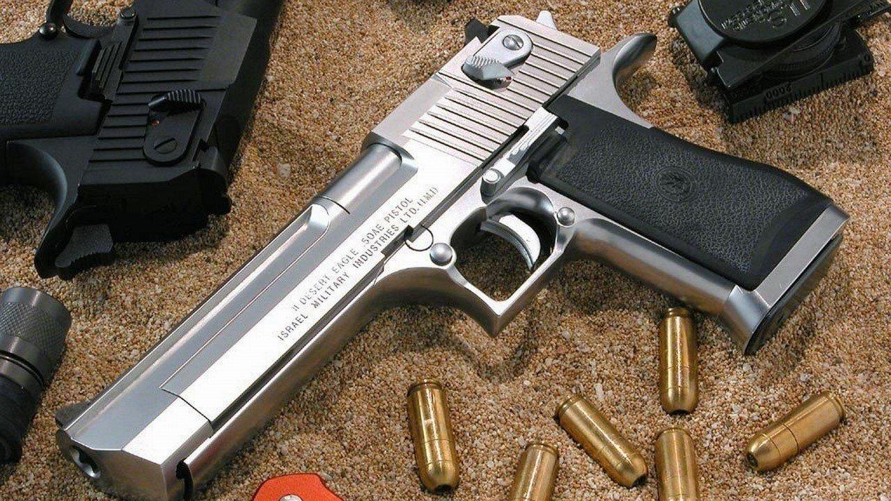 ВСША недовольная проститутка выстрелила клиенту вголову изего пистолета