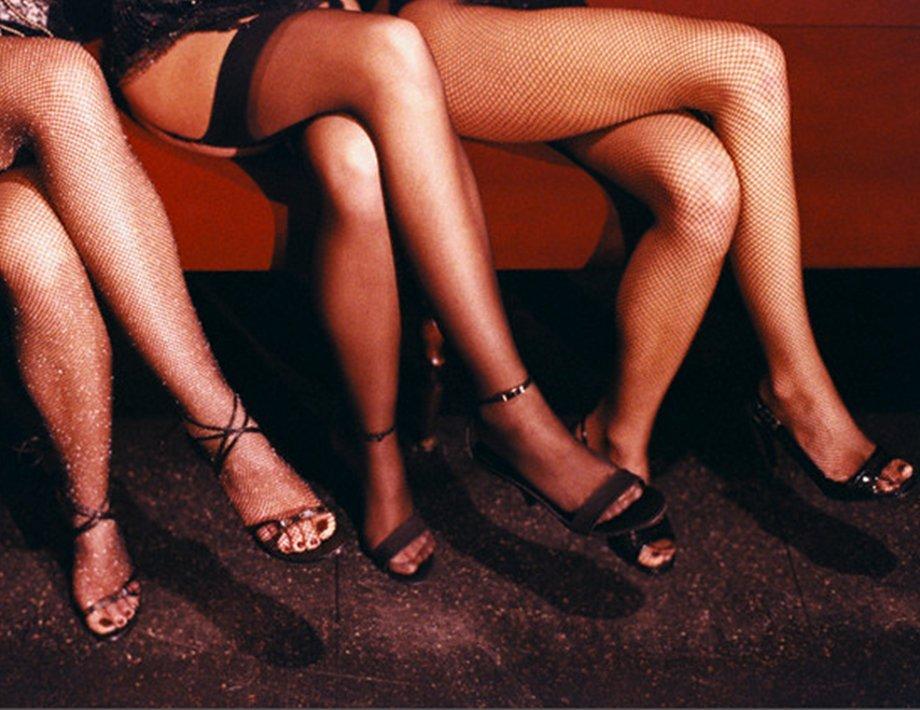 Женщина поплатилась за свое занятие проституцией, получив от мужа по лицу