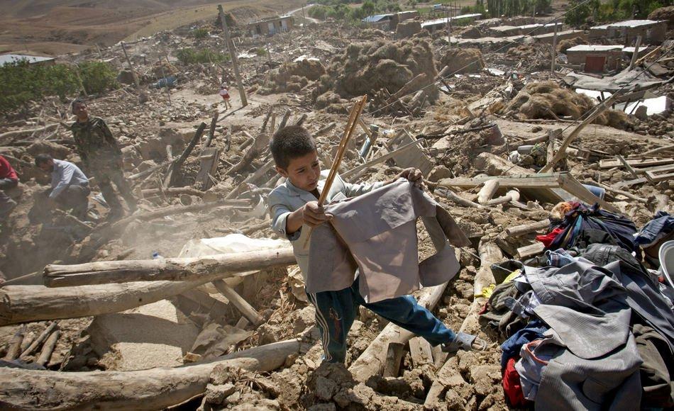 Число погибших от землетрясения в Иране возросло до 200