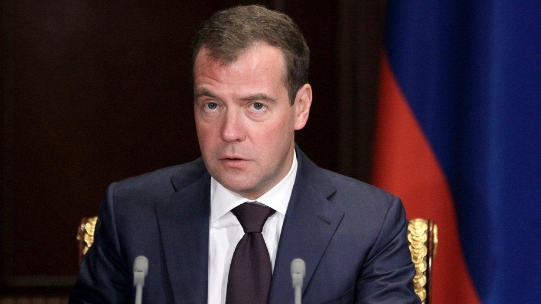 Медведев: Рост ВВП в России по итогам года превысит 2%