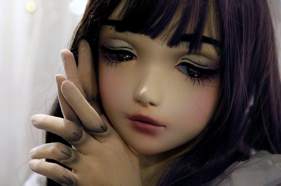 В Берлине из церкви украли мастурбирующую куклу-зомби