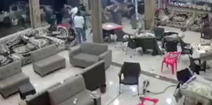 Момент землетрясения в Иране попал на видео