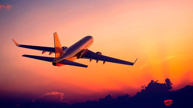 В Китае после падения с самолета стюардесса сломала позвоночник