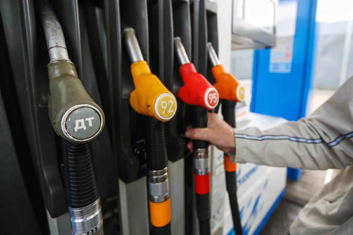 ФАС пояснила рост цен набензин