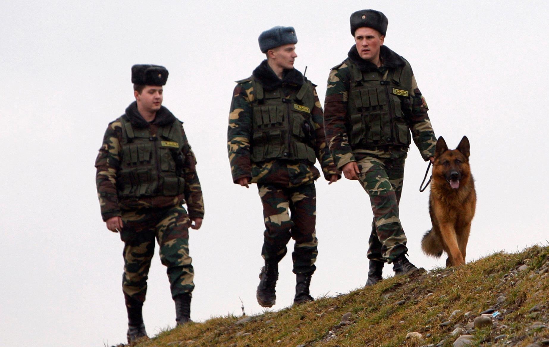 Украина начала усиленно охранять границу со Словакией