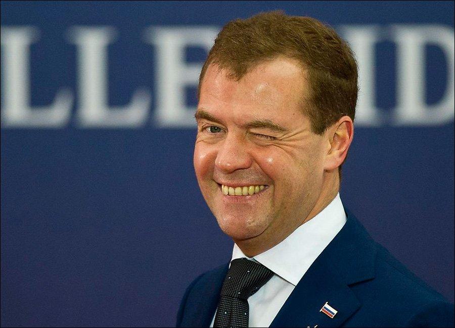 Медведев отреагировал на вопрос о своем участии в президентских выборах