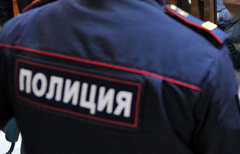 Под Челябинском мальчика посадили на цепь в наказание за позднее возращение