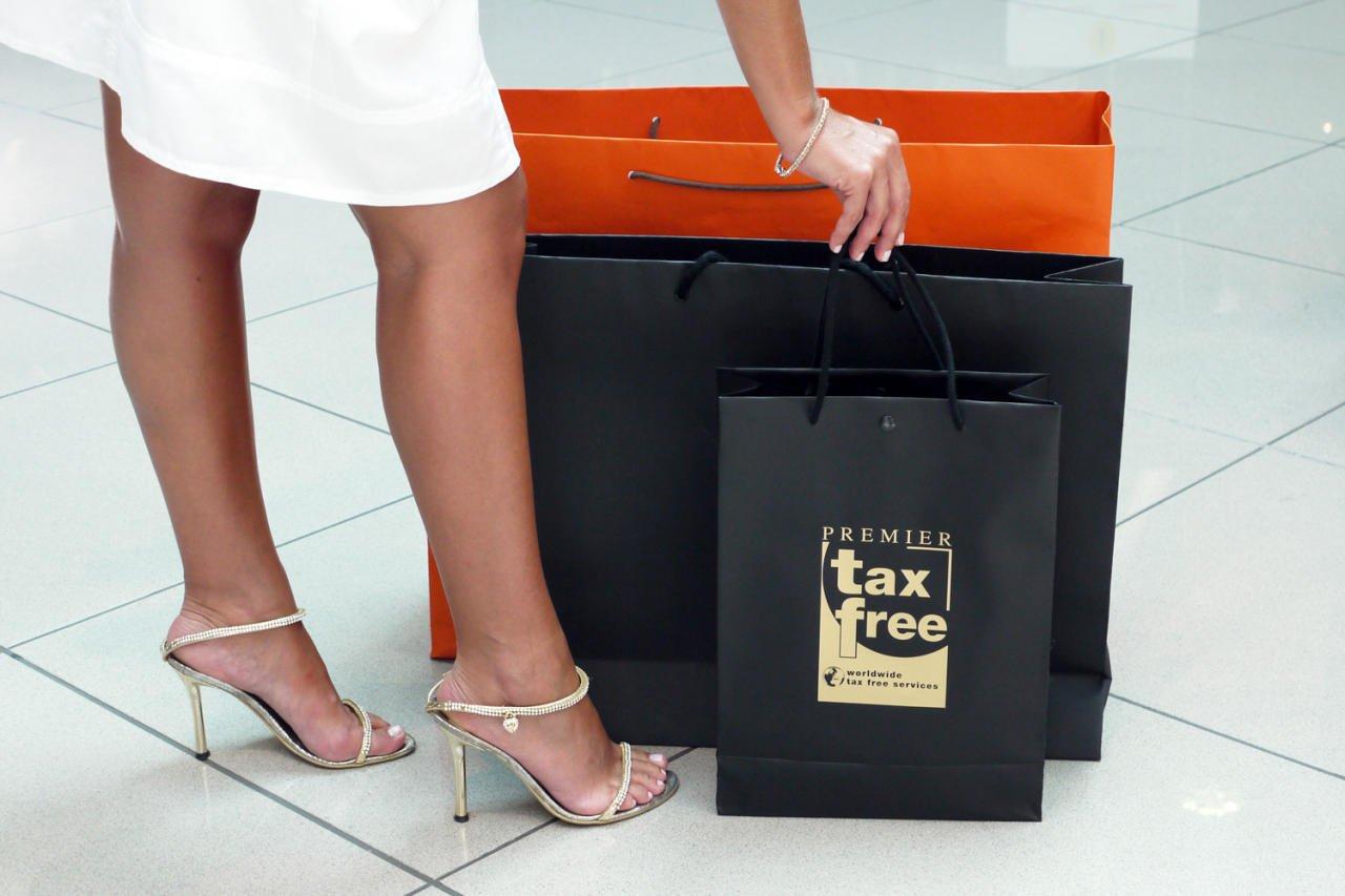 Госдума окончательно приняла законопроект о введении tax free в России