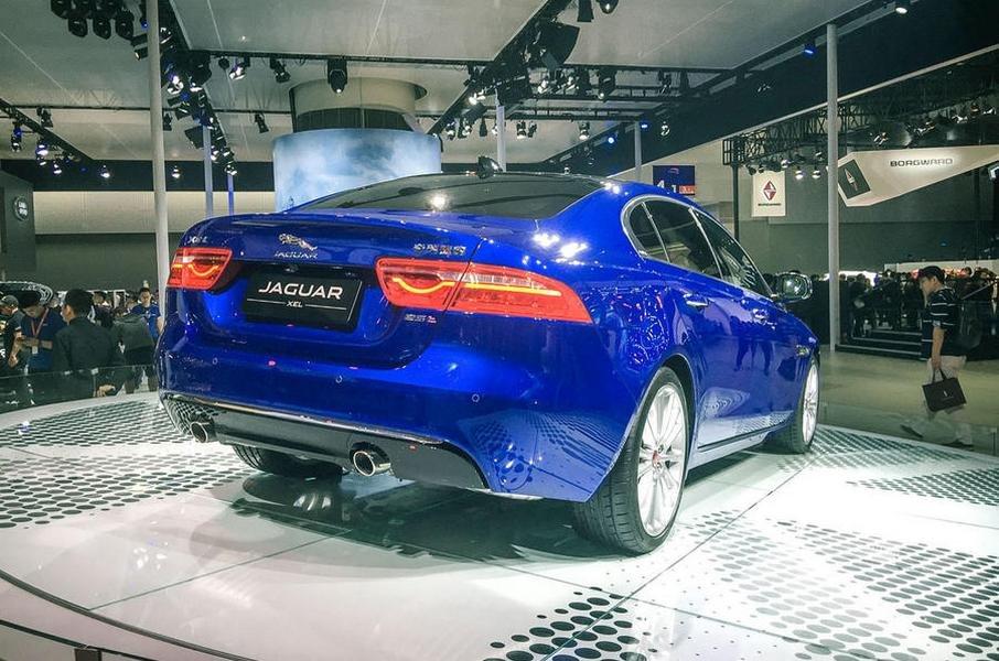 Jaguar сделал удлинённый седанXE