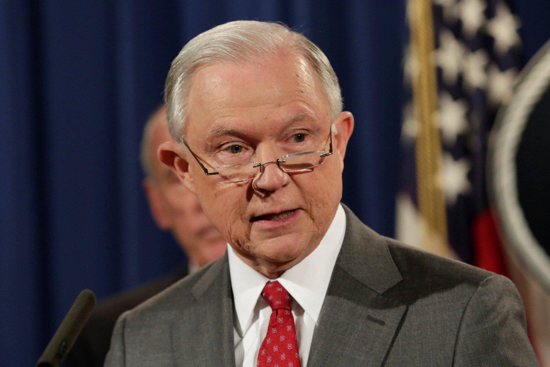 Генеральный прокурор США пошутил про «связи» сРоссией