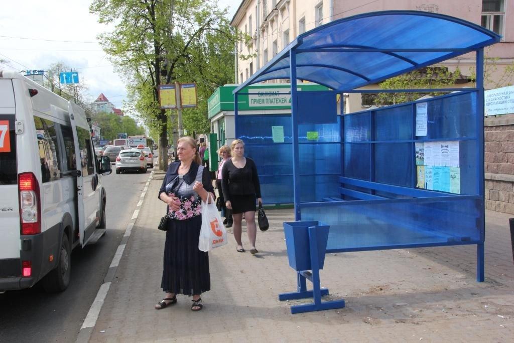 На10 автобусных маршрутах столицы вводятся дополнительные остановки ссубботы