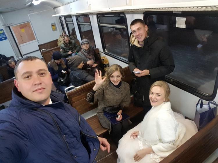 Свадьба в электричке и круглосуточная работа мэрии: К чему привёл снегопад во Владивостоке?