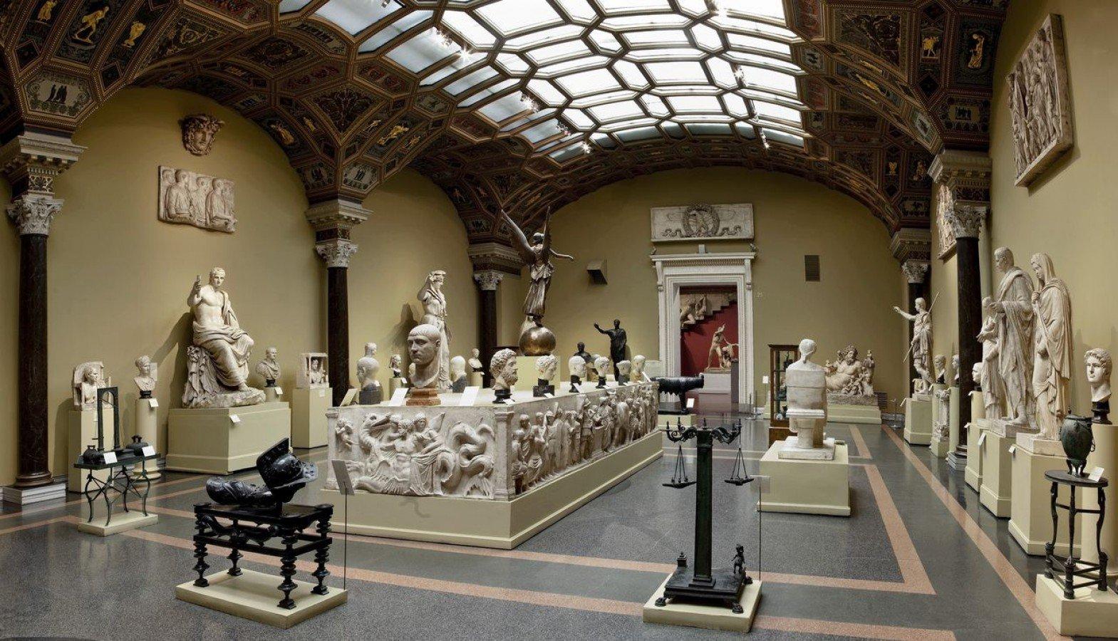 Пиотровский призвал отыскать предметы искусства, украденные боевиками наБлижнем Востоке