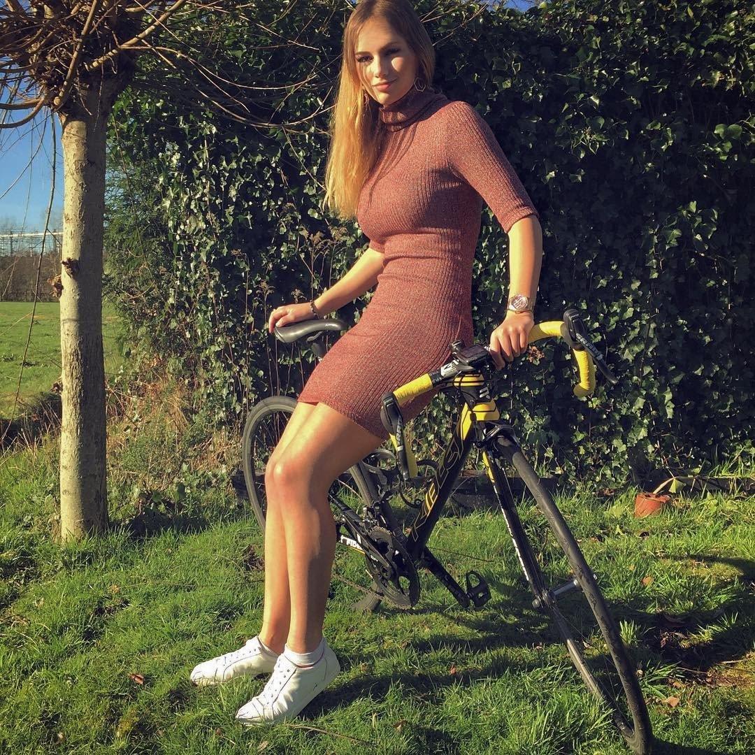 Пак Мунен (Puck Moonen) хакеры: Интимные фото велосипедистки без цензуры