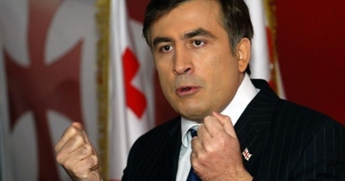 Саакашвили заявил об избиении своего водителя неизвестными