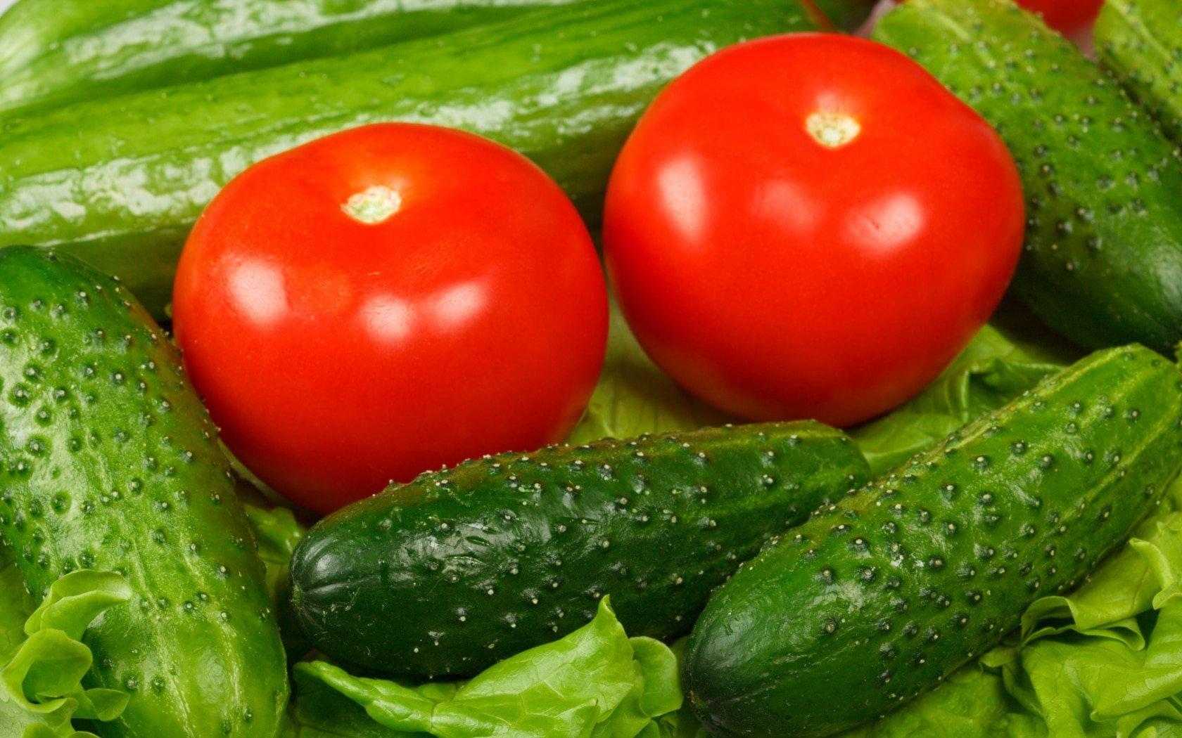 В Мурманске стоимость огурцов и помидоров увеличилась более, чем на 30%