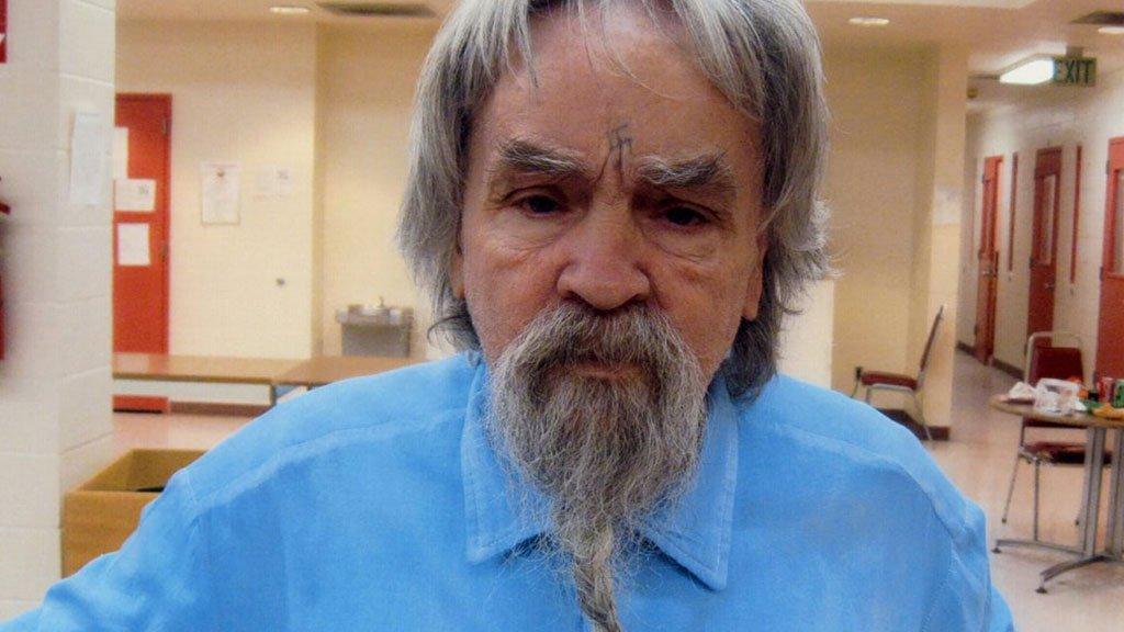 В США умер 83-летний серийный убийца Чарльз Мэнсон