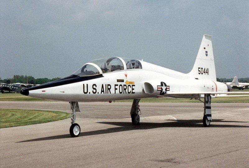 Учебный самолет ВВС США разбился в Техасе