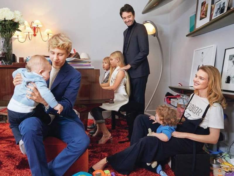 Модель Наталья Водянова показала трогательное фото с семьей