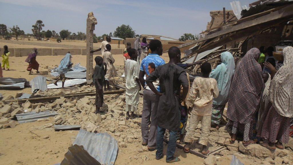При взрыве в мечети в Нигерии погибло 30 человек
