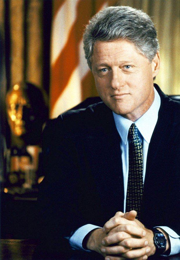 Билла Клинтона обвили в сексуальном домогательстве к четырем девушкам