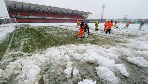 Футбольный профсоюз Российской Федерации обсудит рамки погодных условий для матчей премьер-лиги