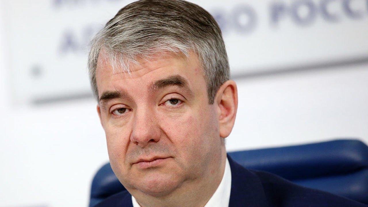 Глава Роструда считает, что россияне должны больше работать