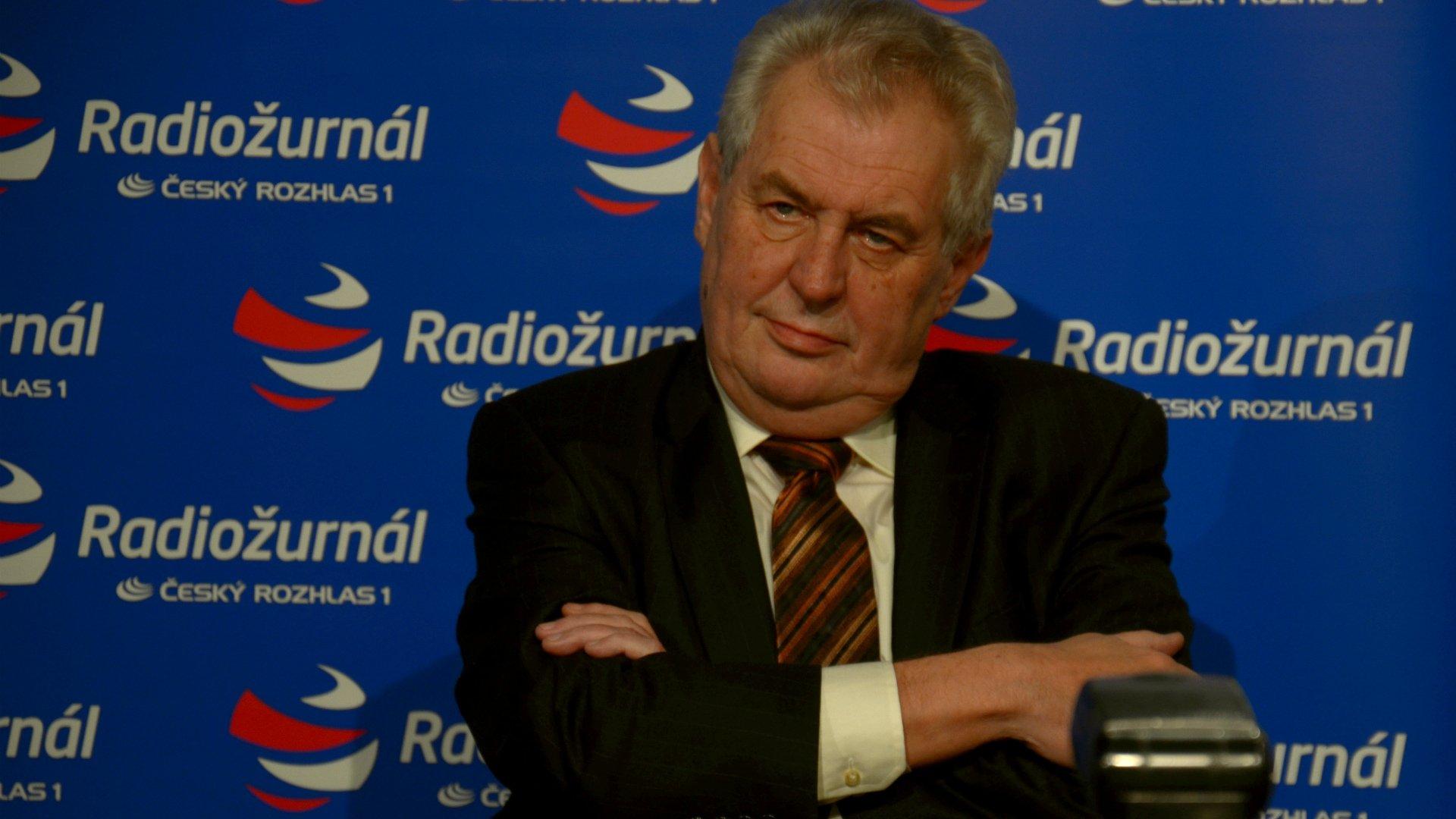 На встрече с Путиным президент Чехии говорил по-русски
