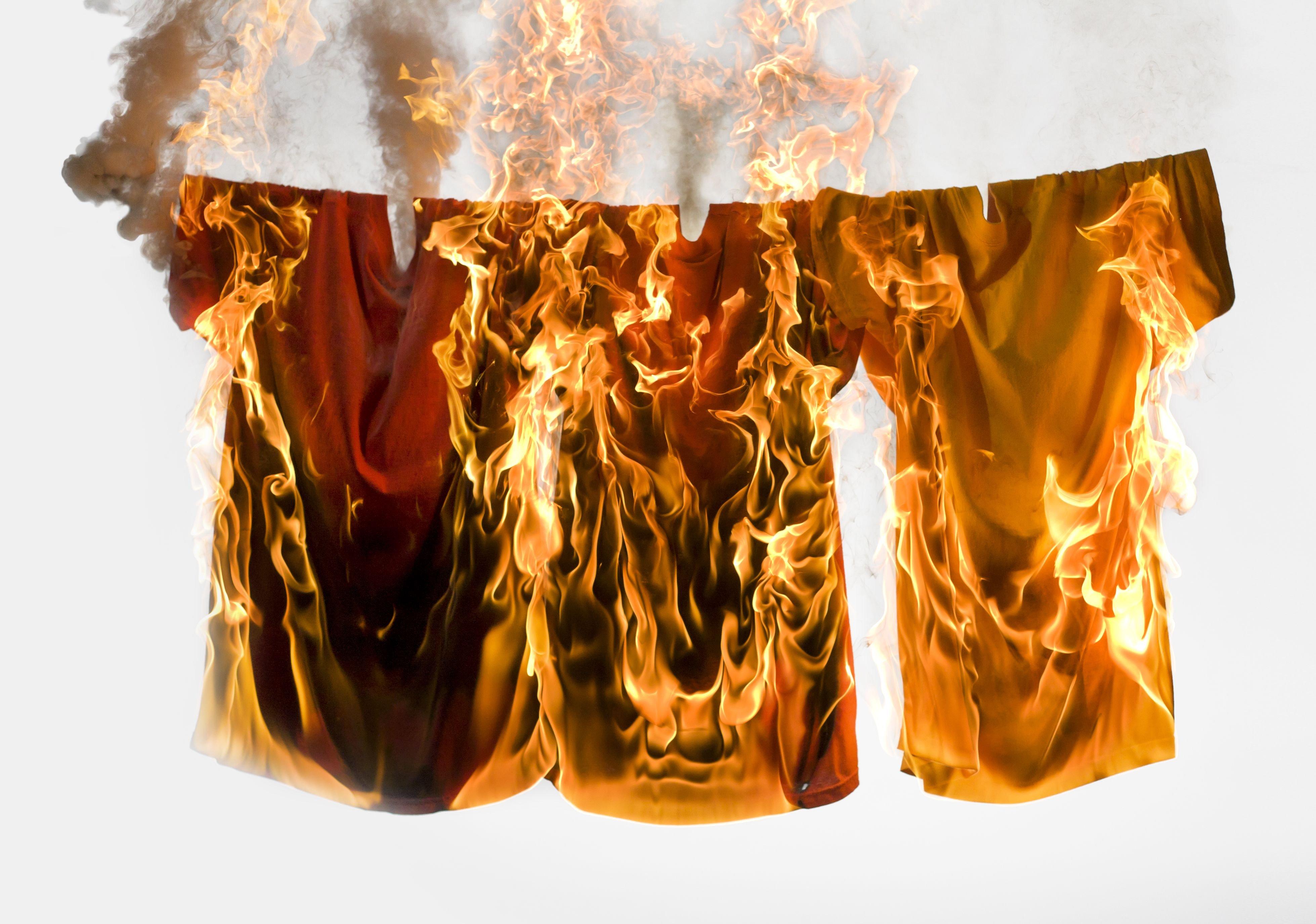СМИ проинформировали отоннах сжигаемой вШвеции свежей одежды компании H&M