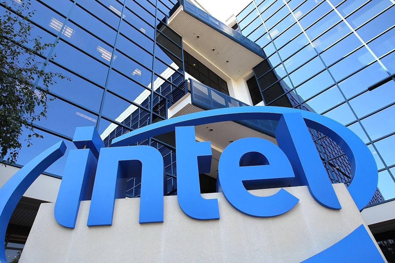 Intel признала критическую уязвимость процессоров трёх последних поколений