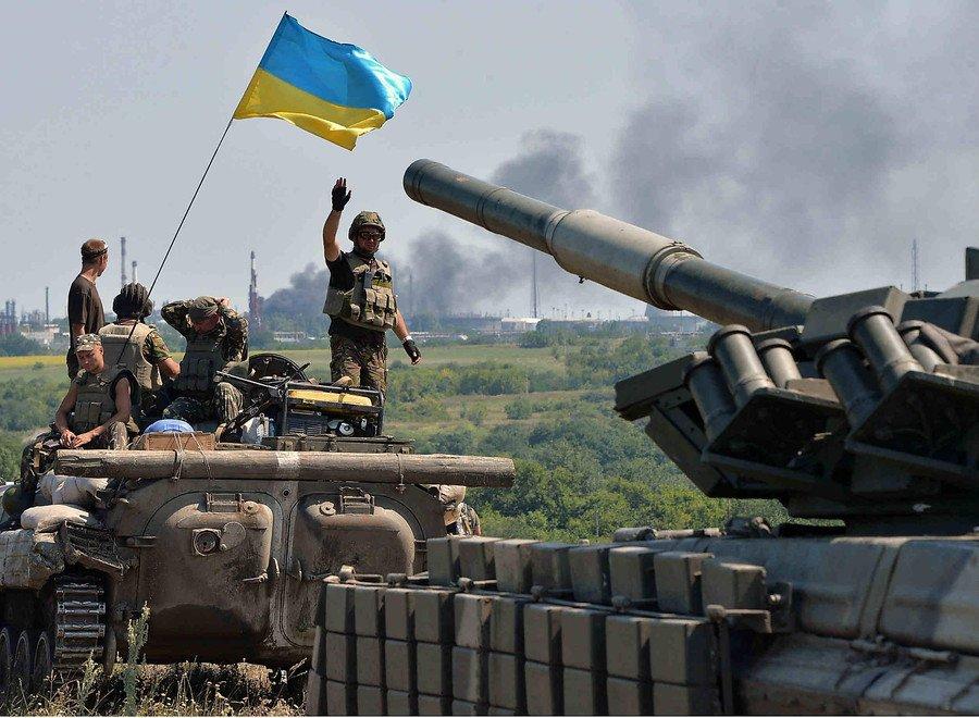 Украина воспользовалась хаосом в Луганске и пошла в наступление