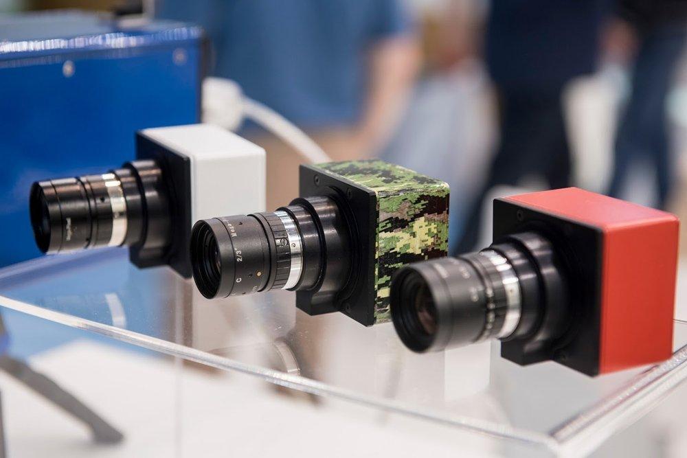 Завод Мерседес Бенс будет комплектоваться российскими камерами