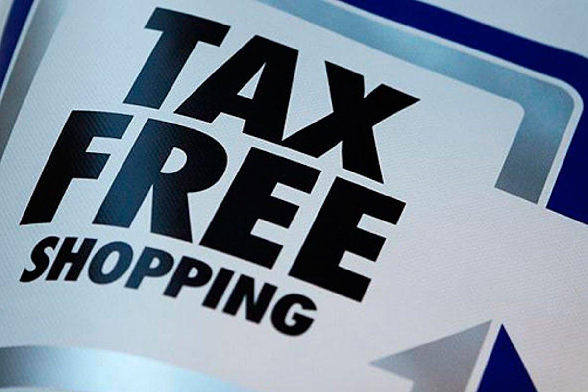 В Совфеде одобрили закон о введении системы tax free в России