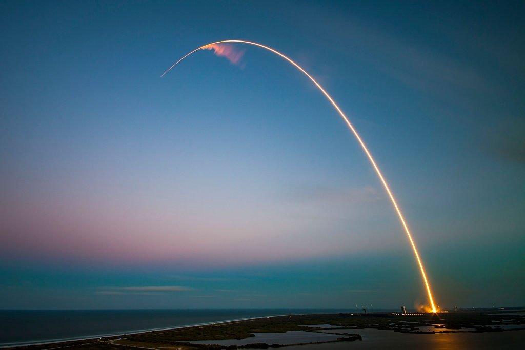 SpaceX увеличит число ракетных запусков наполовину в 2018