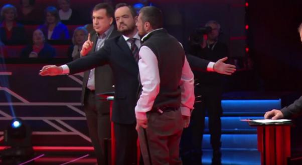 Саакашвили пытались избить костылем в прямом эфире