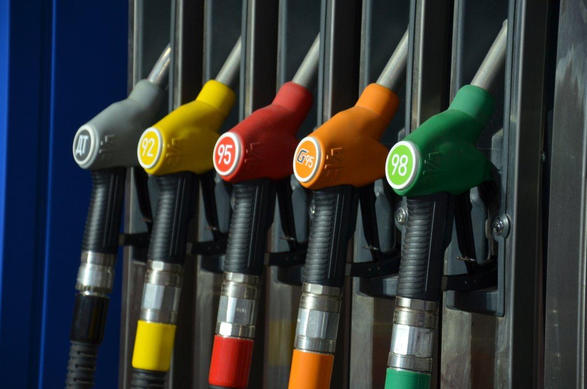 Министр энергетики Казахстана сказал анекдот обимпорте бензина из Российской Федерации