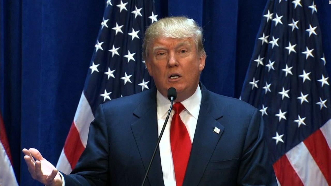 Трамп обвинил CNN впередаче фейковых новостей оСША