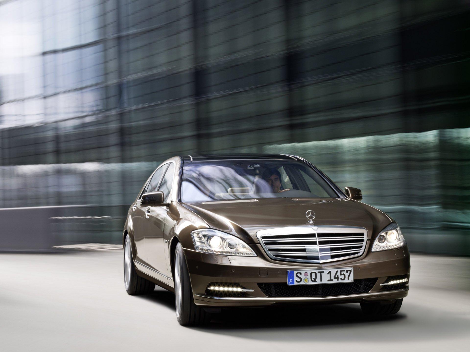 Жители России накупили элитных авто на45 млрд. руб.