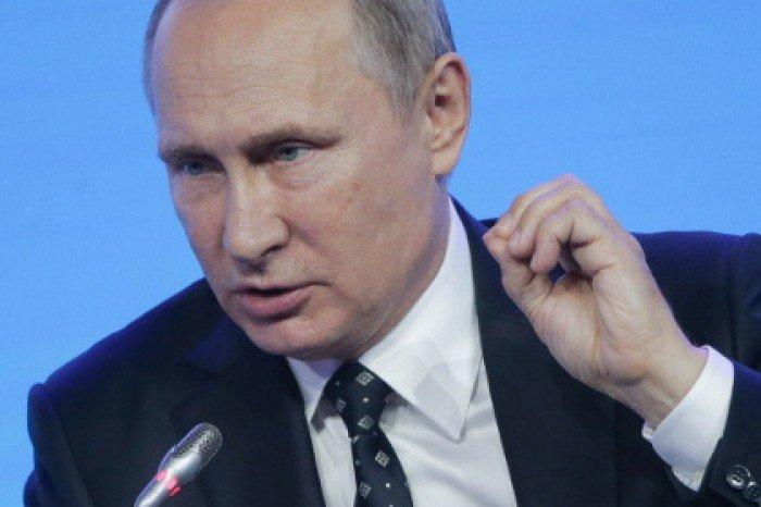 Путин потребовал скорее решить проблему сочередями вясли