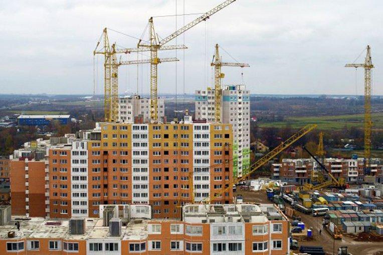 Встроящуюся московскую недвижимость вложено около триллиона руб. дольщиков