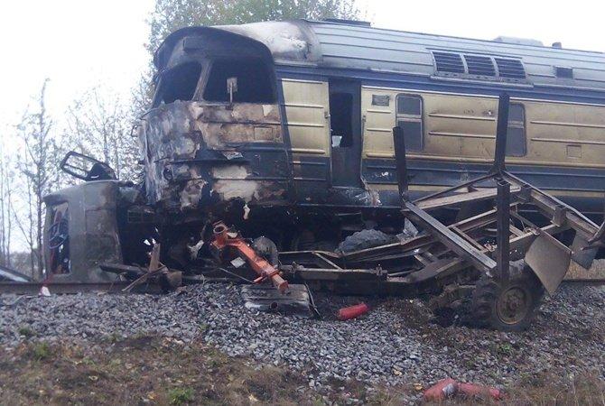 Пассажирский поезд сбил «Газель» вНижегородской области