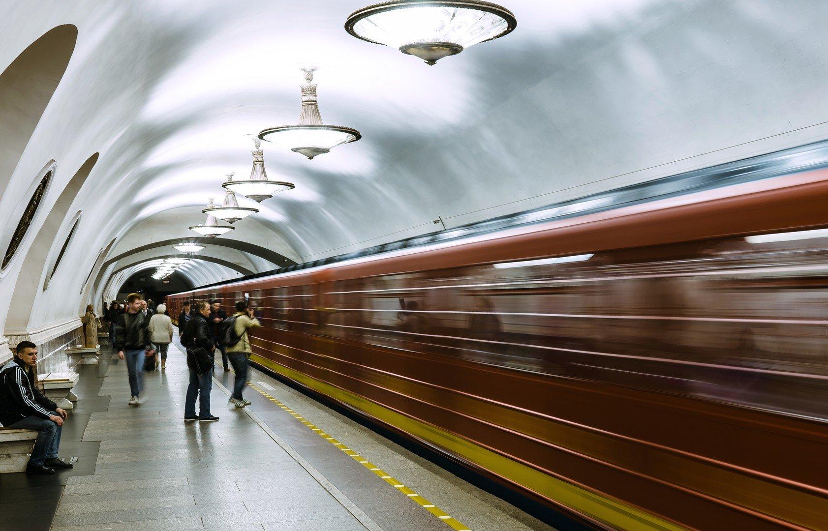 Из-за закрытия метро «Проспект Большевиков» вПетербурге маршрутки брали штурмом