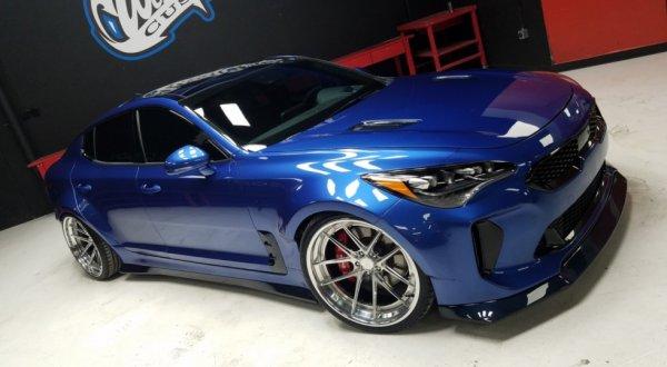 В Лас-Вегасе KIA Stinger GT представили в трех вариантах