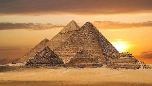 Ученые обнаружили внутри пирамиды Хеопса потайную комнату: Техническое помещение или усыпальница?