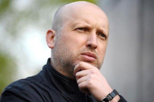 Турчинов: Выходной на католическое Рождество ускорит евроинтеграцию Украины