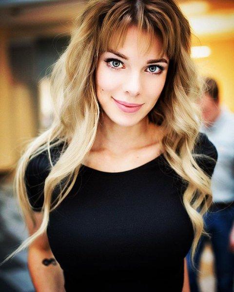 Анна Старшенбаум опубликовала эротический снимок с фотосессии для MAXIM