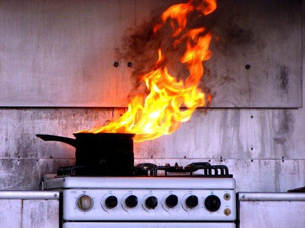 В Дорогобуже произошло «кулинарное» возгорание в жилом доме