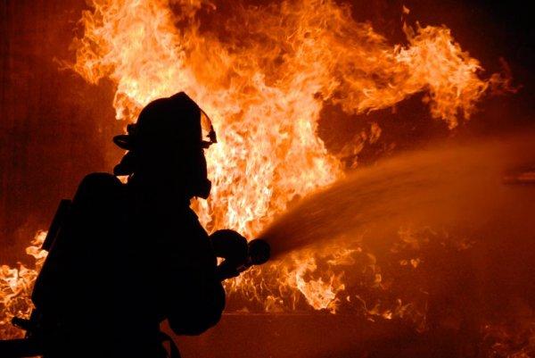 В малярном цехе в Ульяновске произошел пожар