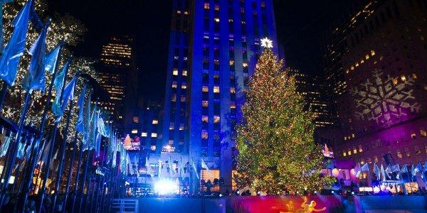 В Нью-Йорке зажглась самая большая рождественская ёлка: Как города готовятся к праздникам?