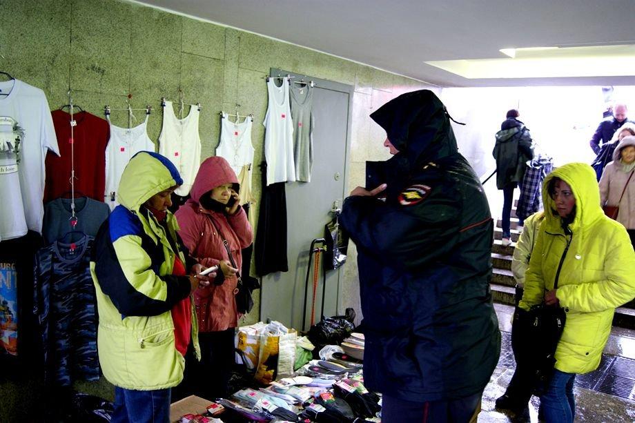 ВПетербурге хотят забирать у незаконных торговцев продукт без сертификатов